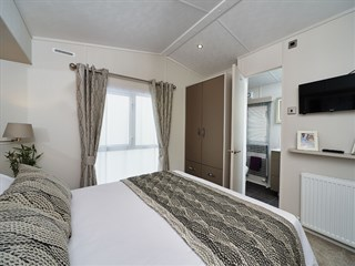 2018 Carnaby Envoy Static Caravan Holiday Home - main bedroom