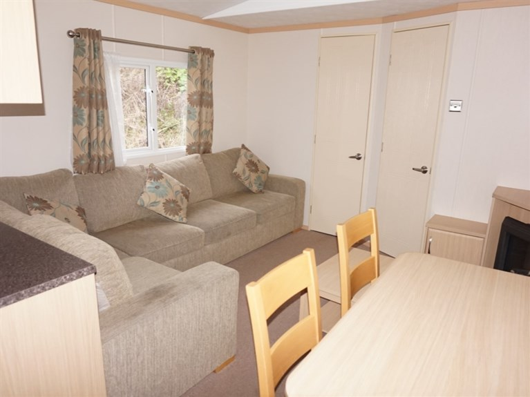Used 2013 Carnaby Cascade Aspect 37 x 12 feet 3 Bedrooms (Sleeps 6/8)