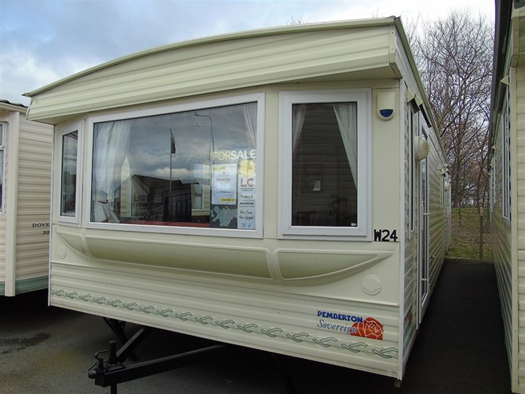 Used 2004 Pemberton Sovereign 37 x 12 feet 2 Bedrooms (Sleeps 4/6)