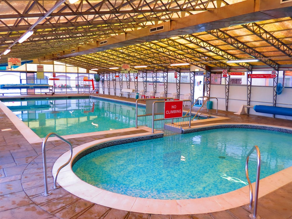 Greenacres caravan park gronant nr prestatyn for Holiday parks in north wales with swimming pool